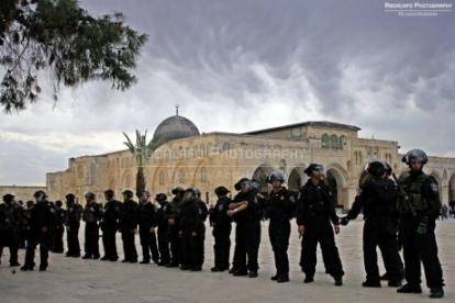 Israeli-Sniper-Al-Aqsa-Mosque-fb.com-abdalafo2