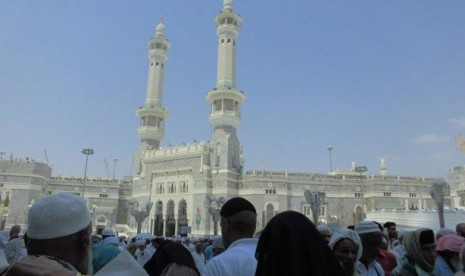 jamaah-haji-sedang-berada-di-masjidil-haram-_121002202520-119